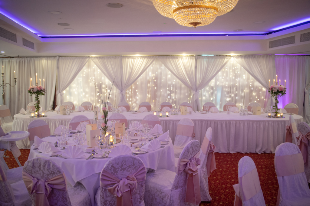 radisson blu wedding photo by wedding photographers the fennells