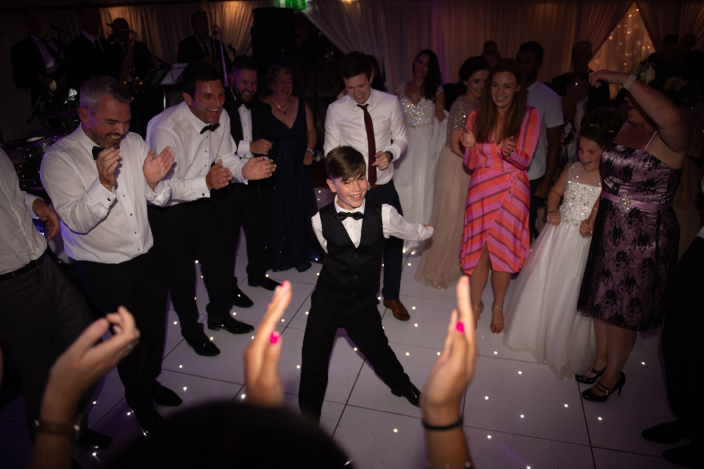 flossing on the dance floor