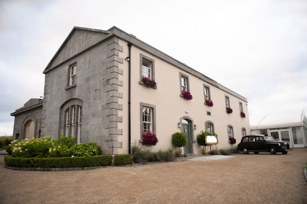 The outside of Clonabreany House wedding venue in Ireland